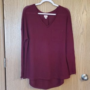 Women's maroon/burgundy sweater